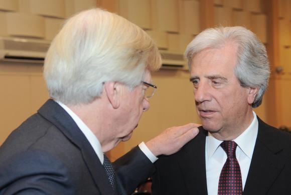 Vázquez y Astori revisaron en que rubros se podía bajar el gasto. Foto: Archivo El País
