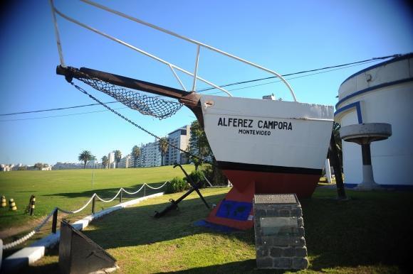 Solo quedó la proa del Alférez Cámpora que se exhibe en la entrada del Museo Naval del Buceo. Foto: F. Ponzetto