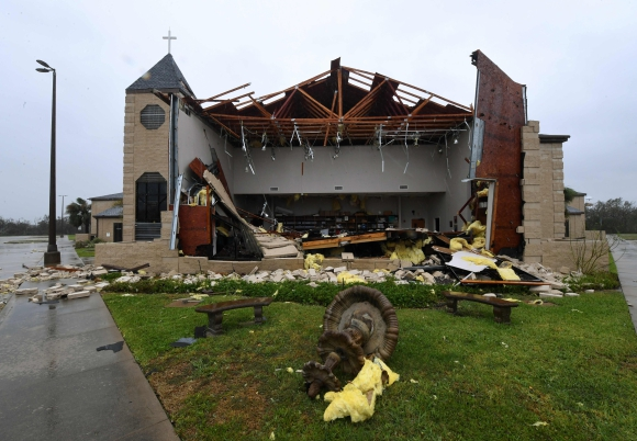 Los daños en una Iglesia tras el paso del huracán por Rockport, Texas. Foto: AFP