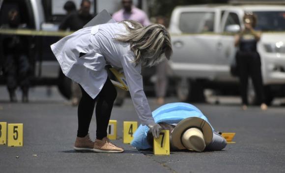Javier Valdéz, de 50 años, fue acribillado el lunes en Culiacán. Foto: AFP
