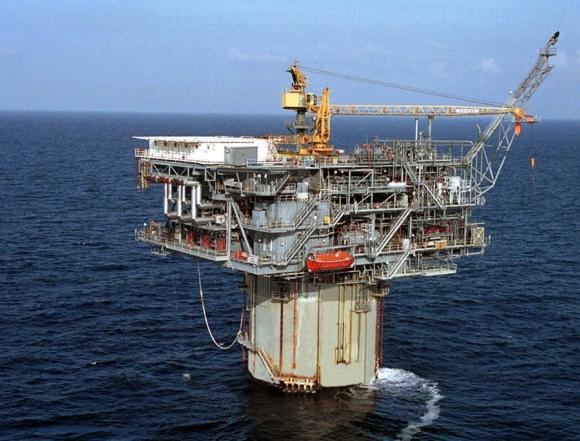 La OPEP podría recortar la producción de crudo. Foto: Archivo El País