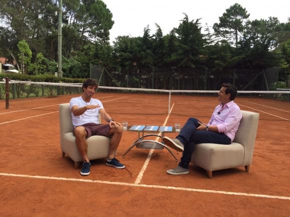 Pablo Cuevas es el único no futbolista de los entrevistados.
