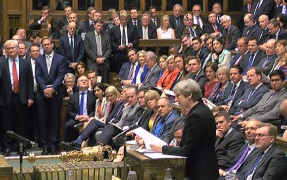 El Parlamento británico aprobó ayer adelantar la elecciones para el 8 de junio. <br>Foto: AFP
