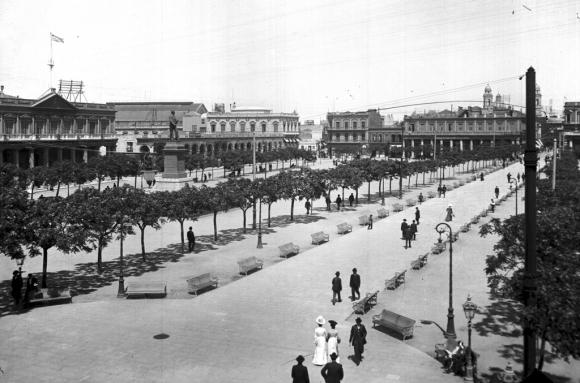 Así se veía la principal avenida entre 1865 y 1955. Foto: El País/ Colección Caruso
