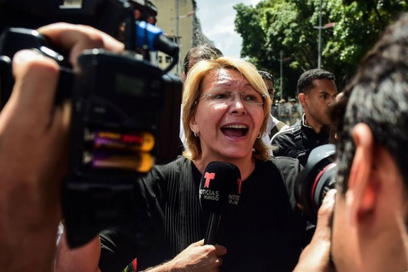 La fiscal Ortega desconoció la resolución de la ANC. Foto: AFP.