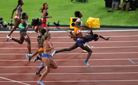 La definición de los 100 metros femenino con la victoria de Tori Bowie. Foto: Reuters