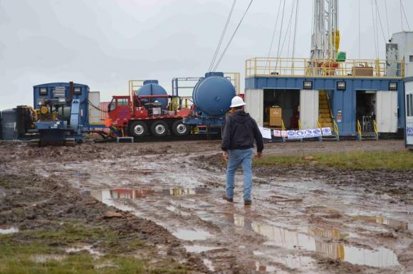 Resultado de imagen para busqueda de petroleo en cerro padilla
