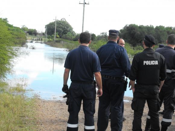 La Policía se presentó en el lugar. Foto: Luis Pérez