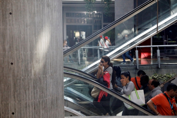 La Policía mantuvo un nuevo choque con opositores a Maduro en al menos cuatro centros comerciales. Foto: Reuters