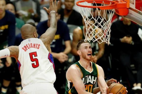 Gordon Hayward fue pieza clave en la victoria de los Jazz sobre Clippers. Foto: EFE