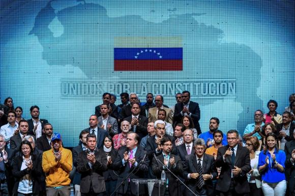 La coalición MUD ratificó que seguirá presionando para evitar la Constituyente. Foto: AFP