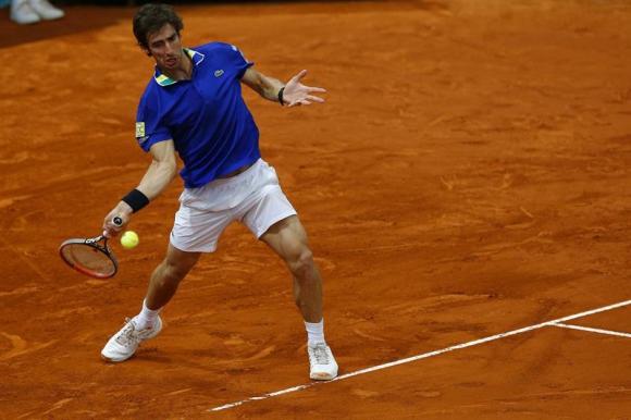 Pablo Cuevas anotó un puntazo ante Alexander Zverev en Madrid. Foto: EFE