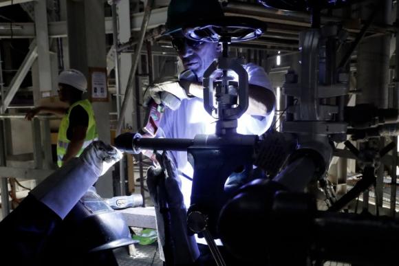 Industria: hubo más inversión en maquinaria en el 2016. Foto: AFP