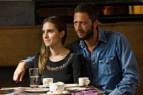 Con Desie (Ebon Moss-Bachrach), el músico con el que se casó.