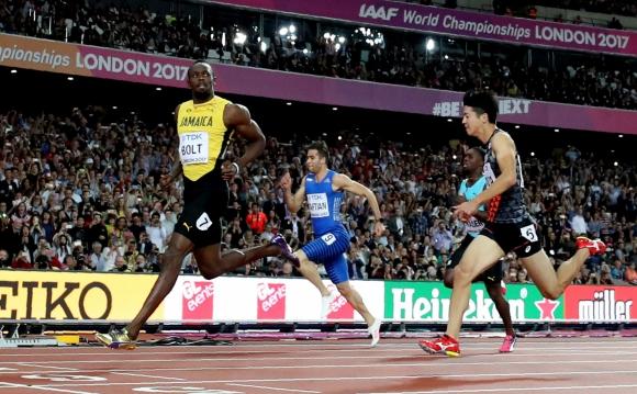 Bolt es uno de los semifinalistas que va por el oro en los 100 metros. Foto: Reuters
