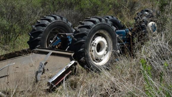 El trabajador murió aplastado por un tractor. Foto: Néstor Araújo