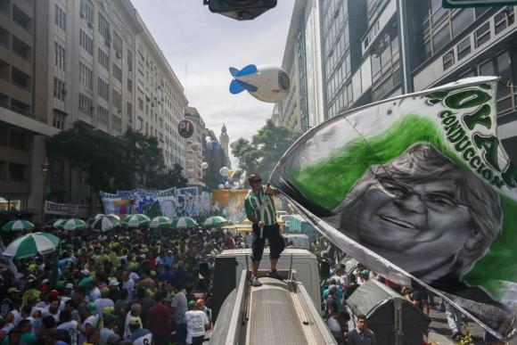La movilización convocó a buena parte del arco opositor a Macri. Foto: EFE