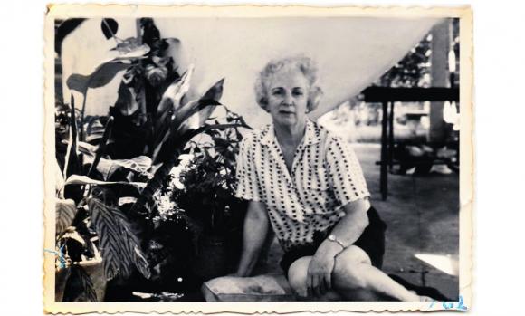 Esther de Haedo, la prima de Jorge Luis Borges, descansando en el Chalet Las Nubes de Salto. Foto: Gentileza Pelayo Amorim