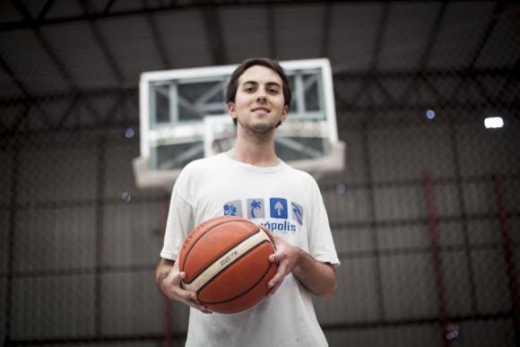 Juan Manuel tiene 23 y vive con una cardiopatía congénita. Foto: Florencia Barré
