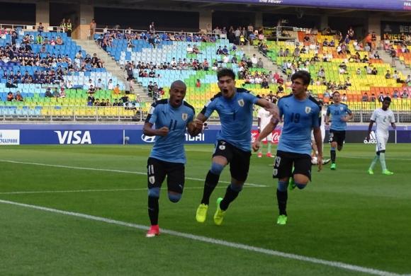 Nicolás De La Cruz celebra su tanto en el partido ante Arabia Saudita. Foto: @Uruguay