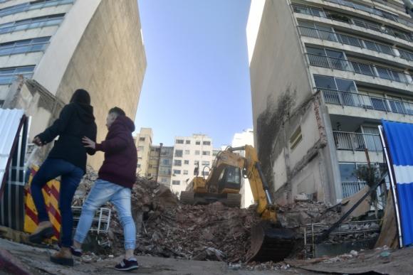 Hoy terminaron los trabajos de demolición; ahora construirán un hotel. Foto: Fernando Ponzetto