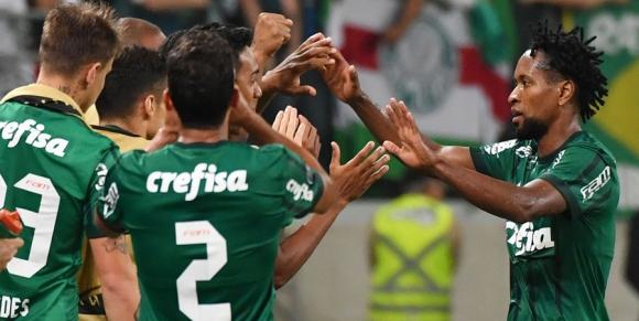 Palmeiras festeja el triunfo ante Atlético Tucumán Foto: AFP