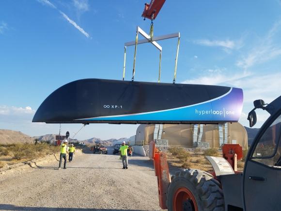 La capsula del Hyperloop durante la prueba. Foto: AFP