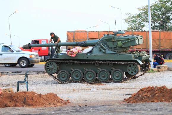 Venezuela despliega tanques ante amenaza de Trump. Foto: Reuters