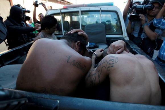 Maras. La Pandilla delictiva MS-13 (Mara Salvatrucha) tiene unos 70.000 miembros en América Latina. Foto: Reuters.