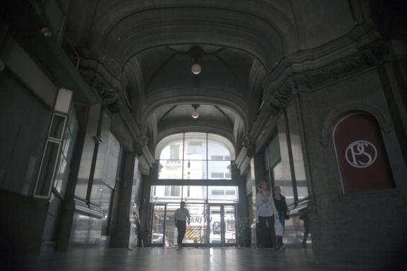 El Pasaje Salvo es una suerte de corredor cargado de simbología. Foto: Fernando Ponzetto.
