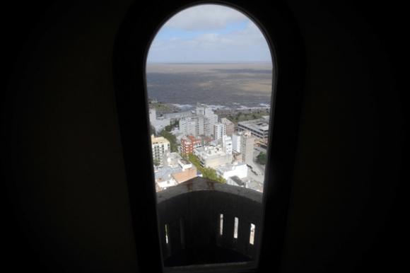 Su mirador, en el piso 25, regala algunas de las vistas más hermosas de la ciudad. Foto: Fernando Ponzetto.