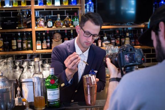 Damián Silva, Bar Manager de Dakota.