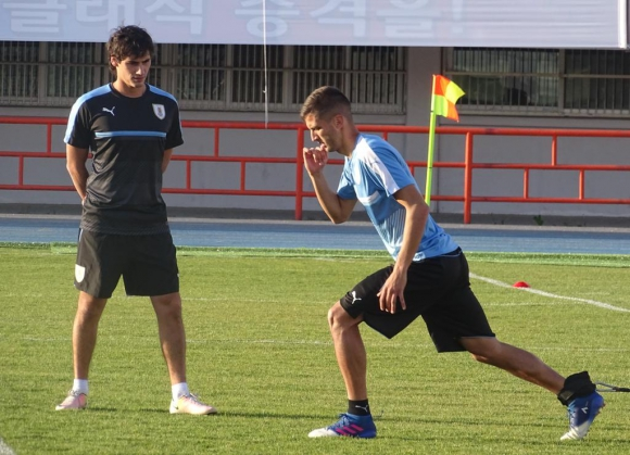 Rodrigo Bentancur ya entrenó con sus compañeros. Foto: Prensa Uruguay
