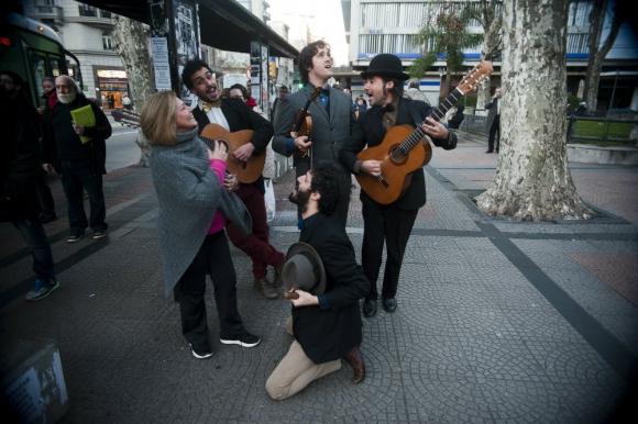 Hacía más de un año que no salían a cantar al Centro de Montevideo. Foto: F. Ponzetto.