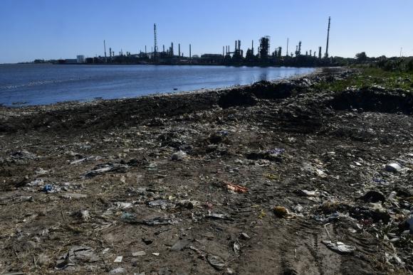 Playa Capurro luego de la jornada de limpieza del 18 de marzo. Foto: Marcelo Bonjour