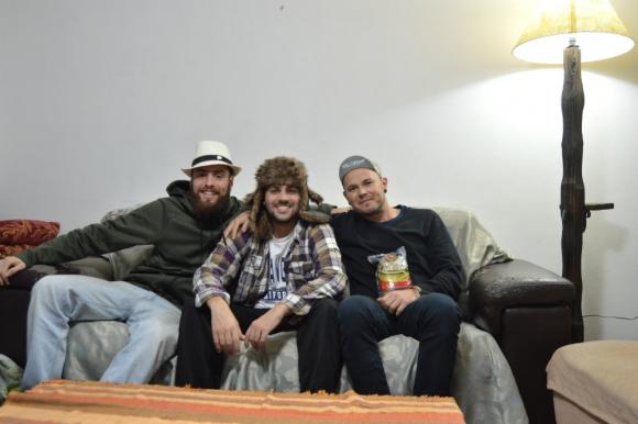 Rodrigo, Agustín y Diego conviven en la
