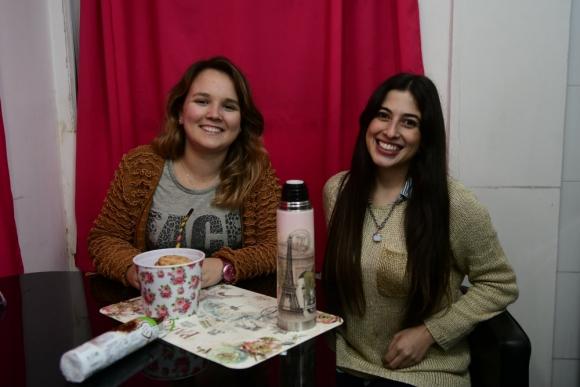 Antonella y Bibiana no tienen reglas, solo hablar todo. Foto: M. Bonjour