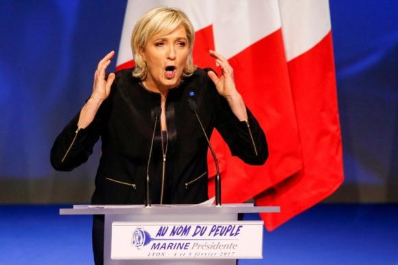 Le Pen atacó la