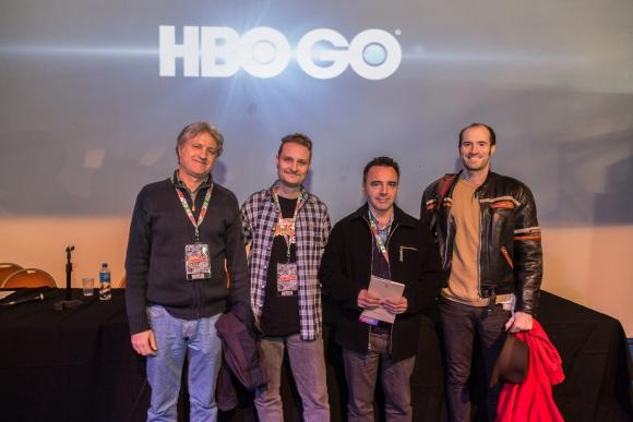 Los autores de las novelas con el moderador del panel del <i>Comic Con Argentina.</i>