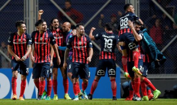 San Lorenzo festeja el agónico triunfo ante Flamengo. Foto: Reuters