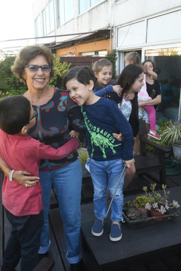 Margarita reúne a su familia en su casa todos los sábados. Foto: F. Flores