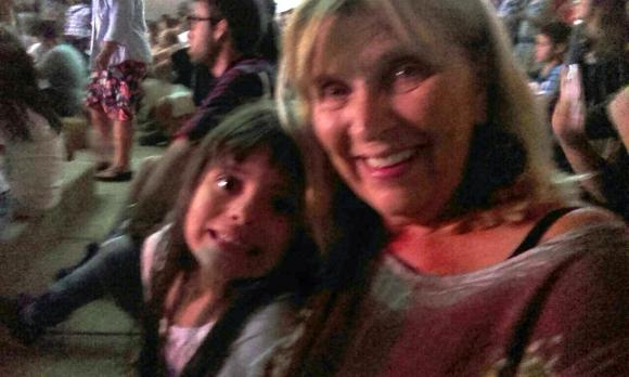 Cristina disfrutó del recital de Márama con sus nietos