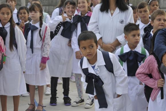 Tabaré Vázquez en recorrida por escuelas. Foto. Leonardo Mainé
