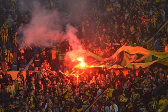 Inicio del Partido. Foto: Gerardo Pérez