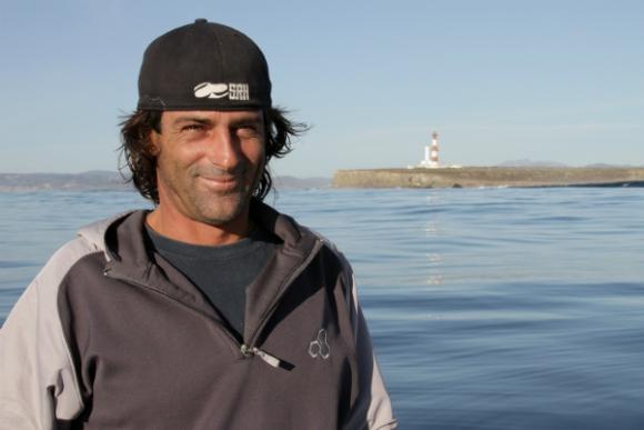 Diego Pertusso, competidor en olas grandes (Foto: Archivo El País)