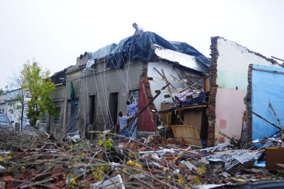 La fachada de una casa colapsó completamente. Foto: Fernando Ponzetto
