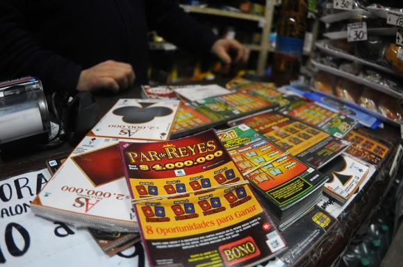 Los uruguayos destinan millones de dólares esperando que la fortuna se  acuerde de ellos. Foto: F. Ponzetto