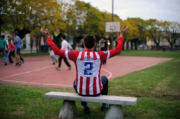 En Rosario, la Plaza de Deportes era uno de los lugares preferidos de Diego Godín. Fotos: Fernando Ponzetto.