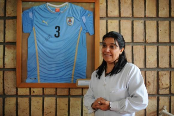 La maestra Jacqueline Díaz, hoy directora de la Escuela N° 3, lo recuerda como un excelente alumno.