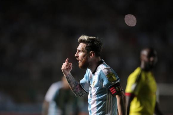 Lionel Messi celebra su gol ante Colombia. Foto: EFe